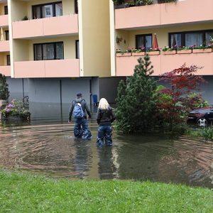 Wasserschaden welche Versicherung zahlt Wasserschaden wer zahlt Ueberflutung 300x300 - Wasserschaden wer zahlt ? Wasserschaden welche Versicherung zahlt?