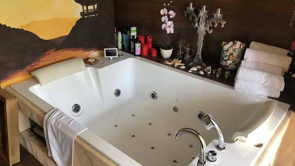 wasserschaden erkennen undichte badewanne - Wasserschaden erkennen