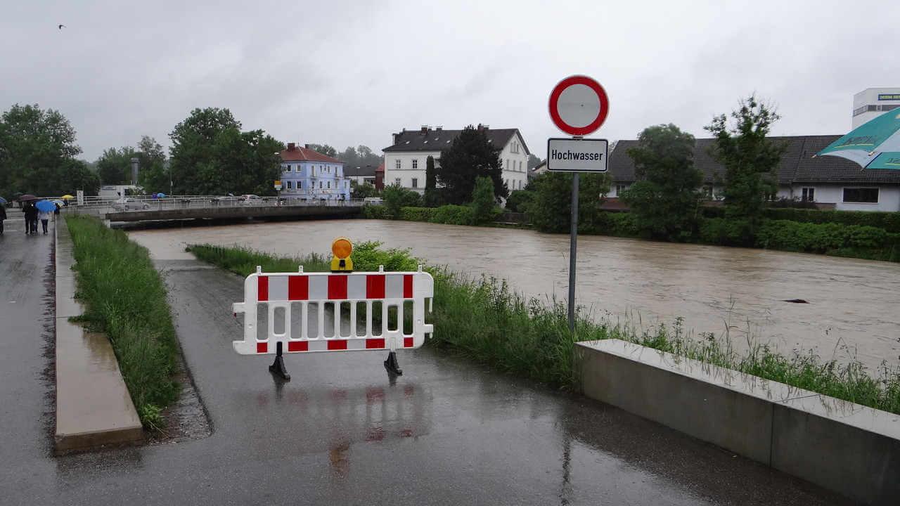 Wasserschaden beseitigen Rosenheim Titelbild - Wasserschaden beseitigen in Rosenheim