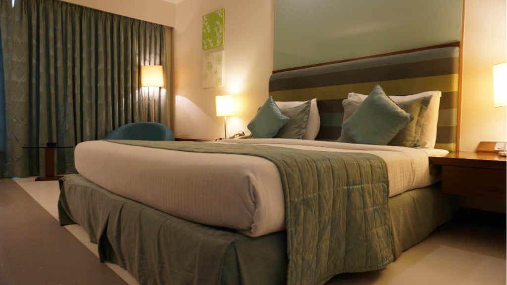 Ozongenerator Geruchsneutralisator Hotel Zimmer Geruch 1024x576 - Ozongenerator mieten in Rosenheim